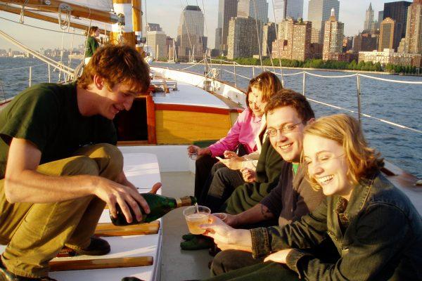 Manhattan Yacht Charters: Adirondak